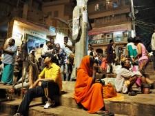 Bettler neben Touris neben Gurus neben Einheimischen